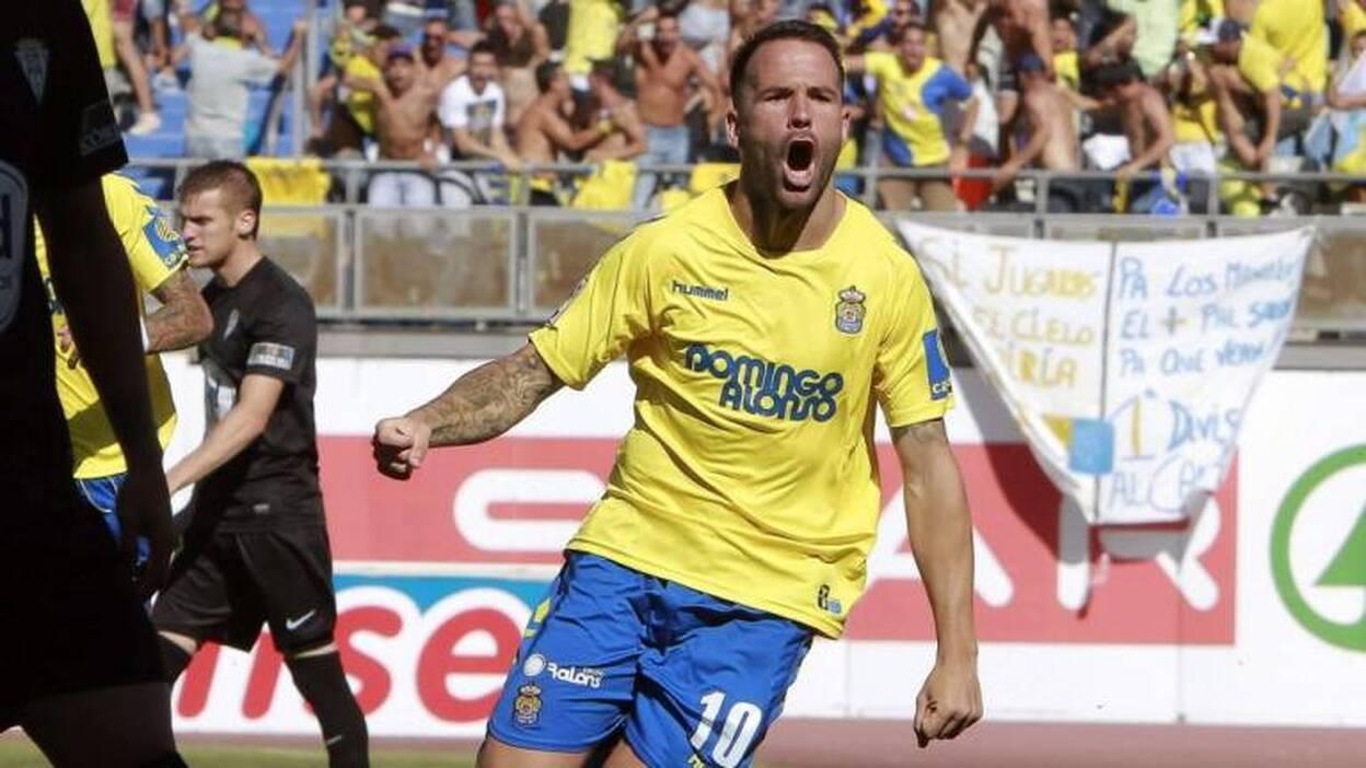 El Córdoba empata y logra el ascenso tras un final bochornoso | Canarias7