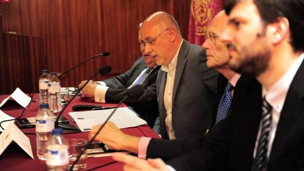 Rafael Álvarez Gil presenta su nuevo libro   Canarias7