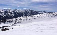 Ax-les-Thermes, 80 km esquiables y 63 fuentes termales en los Pirineos franceses