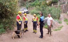 Rescatan a un perro enredado en Pino Santo