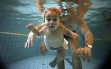 Olvídate del crol y enseña a tu hijo a flotar