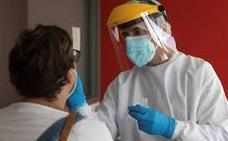 Canarias registra 215 nuevos contagios y tres nuevos fallecidos