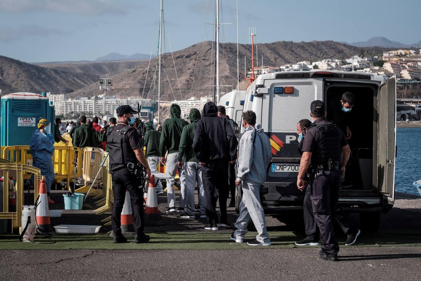 Rescatadas cinco pateras al sur de Gran Canaria con 174 inmigrantes |  Canarias7