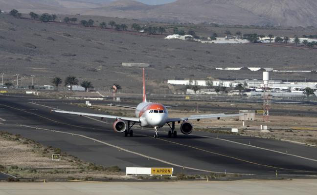 Luz verde ambiental al aumento de la plataforma de aviones de Guacimeta