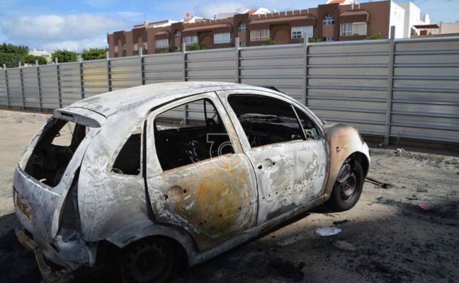 Aparecen más vehículos quemados en Telde