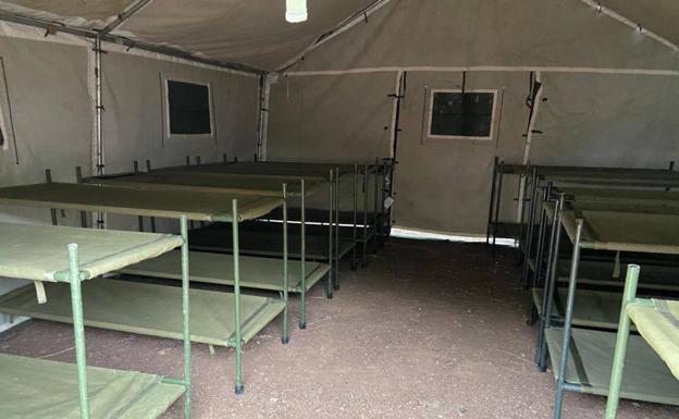 Así es el campamento que se monta en Barranco Seco para los inmigrantes