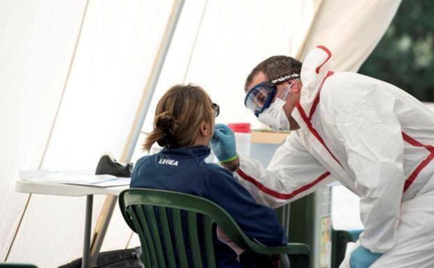 Canarias registra 100 casos nuevos de Covid, 81 en Tenerife
