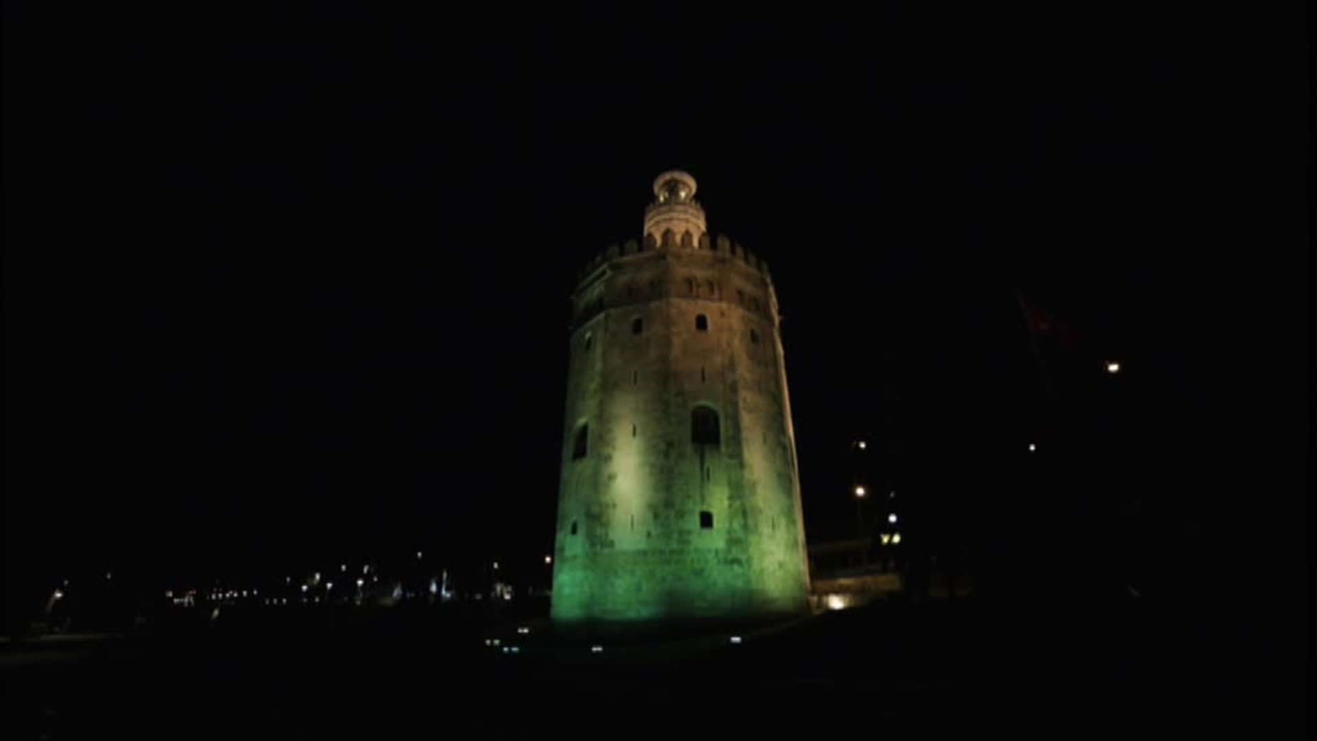 Sevilla ilumina sus edificios más emblemáticos para celebrar una Feria de Abril atípica