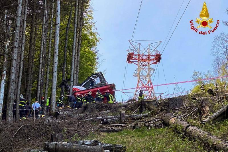 El accidente del teleférico de Mottarone, en imágenes