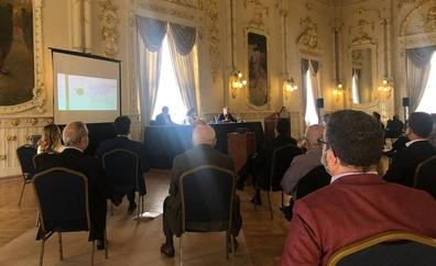El Gabinete Literario impulsa el debate para uso turístico a Santa Águeda