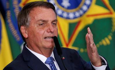 Bolsonaro, desafiante hasta en el banquillo
