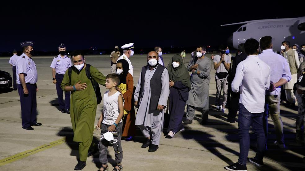 Aterriza la primera tanda de españoles y afganos evacuados de Kabul