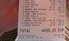 Deja 4.000 euros de propina en un restaurante de Marbella tras quejarse un cliente