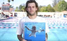 Spencer Elden, el niño de la portada de Nevermind, demanda a Nirvana por pornografía infantil