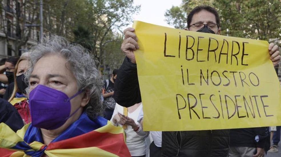 La manifestación de apoyo a Puigdemont, en imágenes