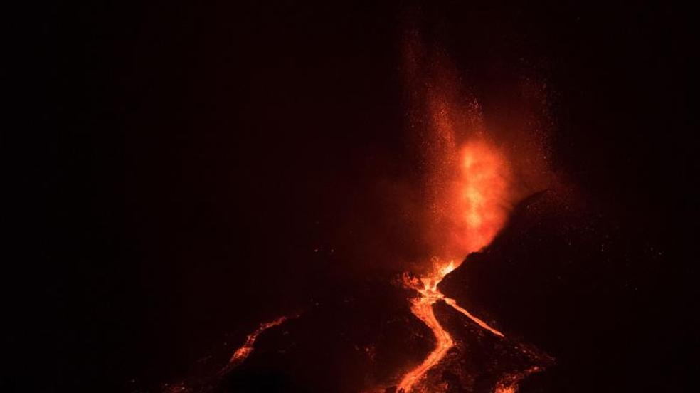 El volcán Cumbre Vieja no deja de rugir