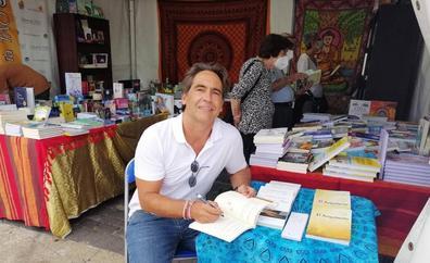 Jorge López Veloso presenta 'Reflexiones desde el alma' en la Feria del libro