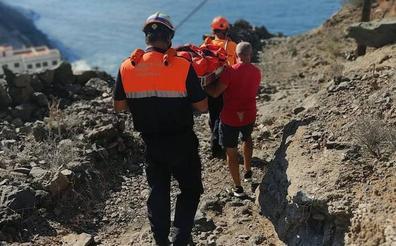 Una senderita sufre una caída cerca de La Rajita