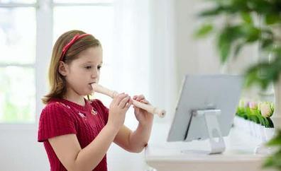 ¿Es imprescindible enseñar música en los colegios con una flauta?