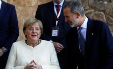 Felipe VI entrega a Angela Merkel el Premio Europeo Carlos V