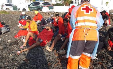Llegan 65 inmigrantes, entre ellos tres menores de edad, a Lanzarote