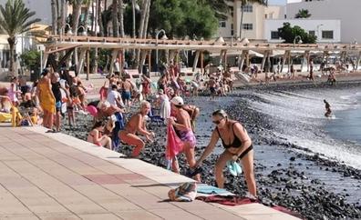 La calima y el calor no abandonan Canarias este lunes