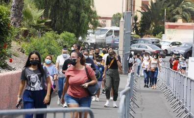 Canarias suma 57 positivos pero ningún fallecido por covid