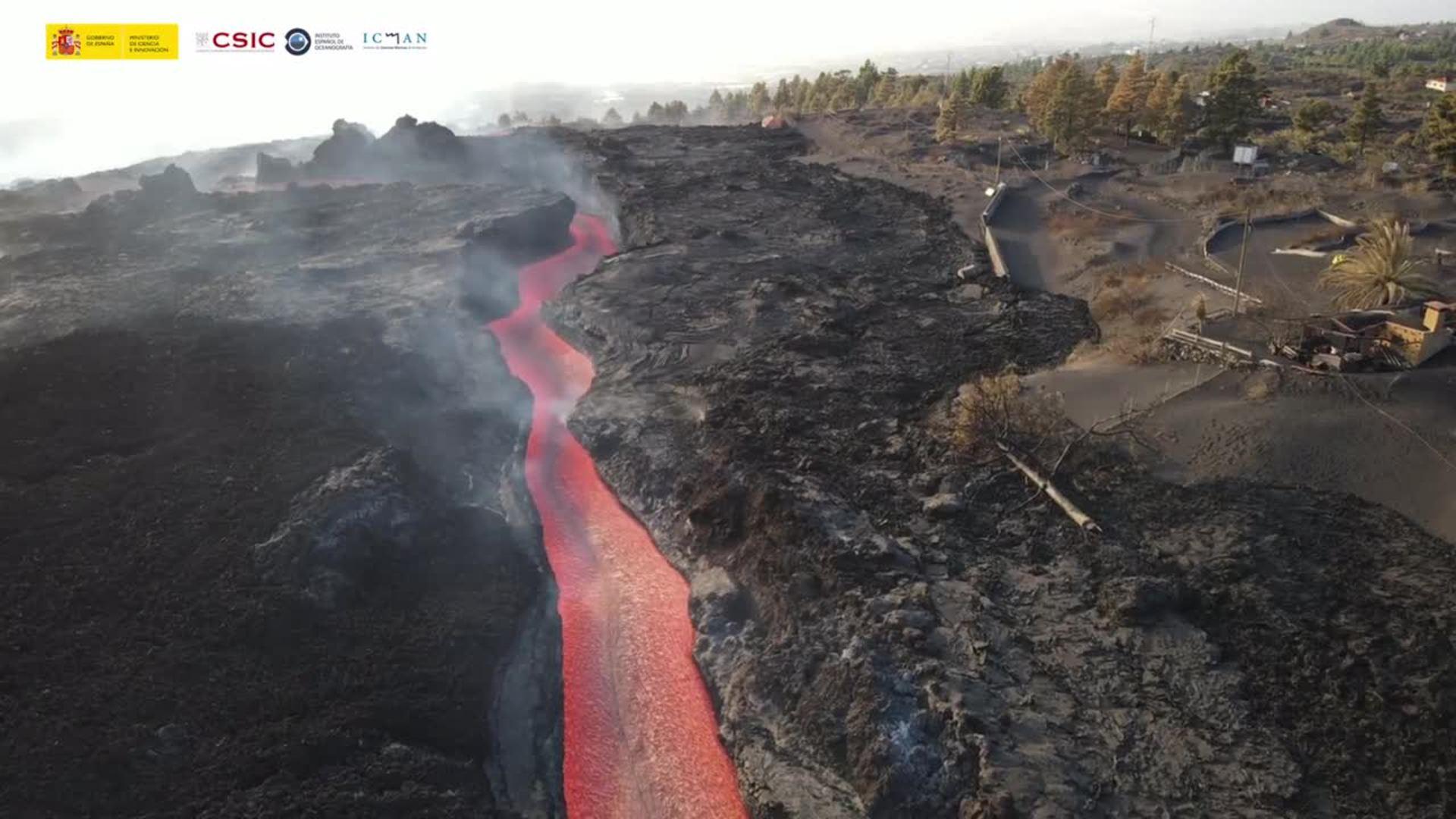 Las coladas del volcán a vista de dron