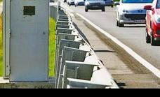 780 radares fijos y 545 móviles vigilarán las carreteras durante el puente de Todos los Santos